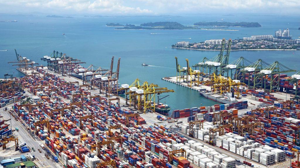 Photo of ship harbor